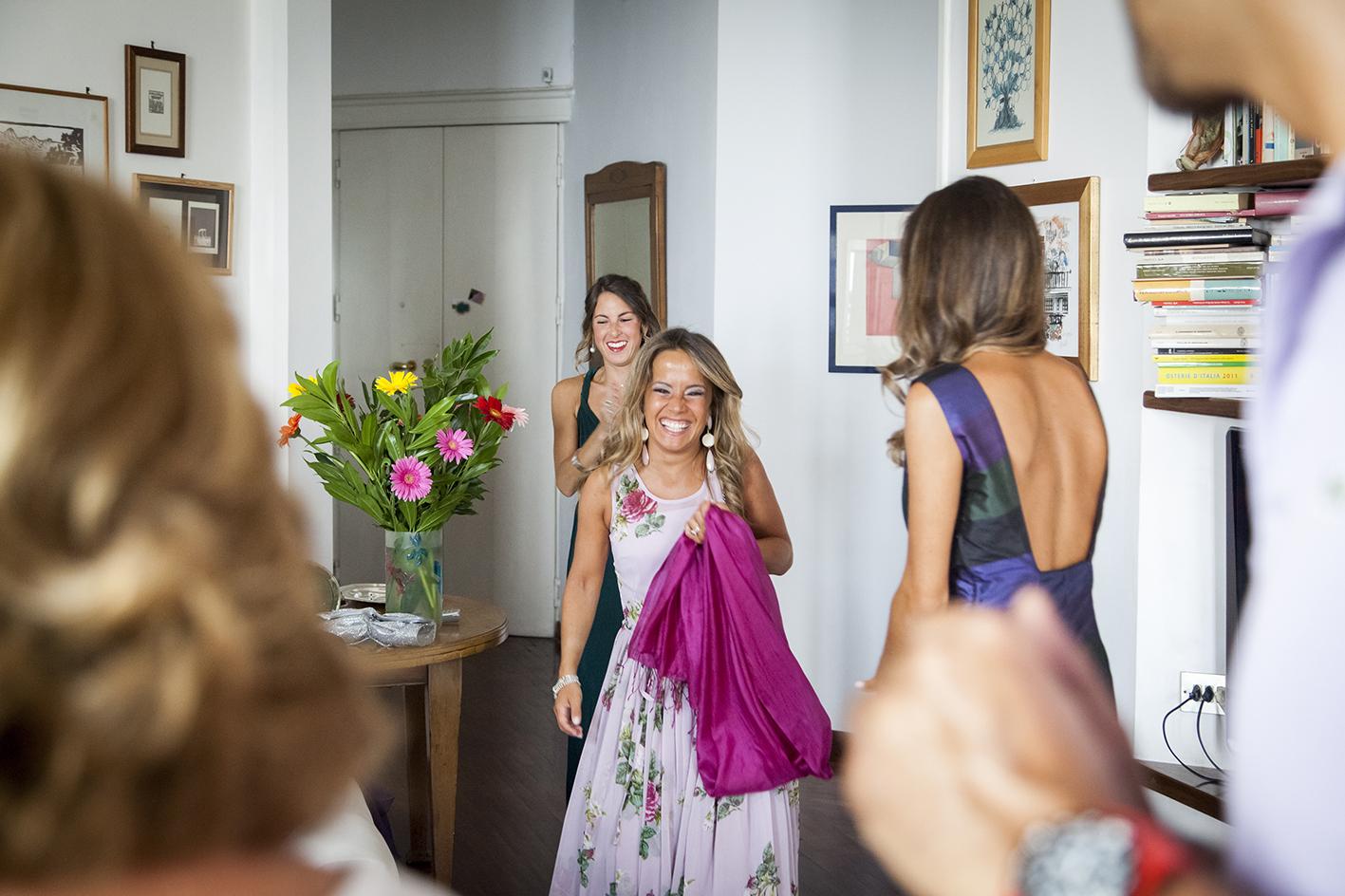 Amici e parenti a casa degli sposi prima del matrimonio, si o no?