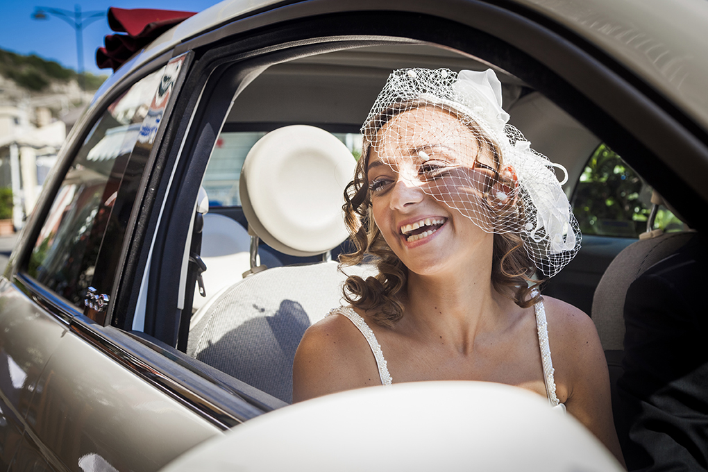 sposa-in-macchina-fotografia-matrimonio-napoli