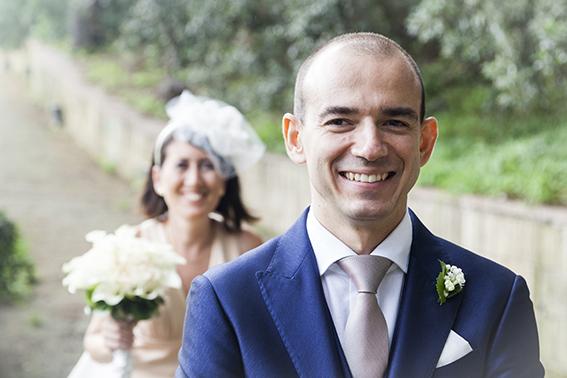 lo-sposo-aspetta-la-sposa-primo-sguardo-otografia-matrimonio-napoli