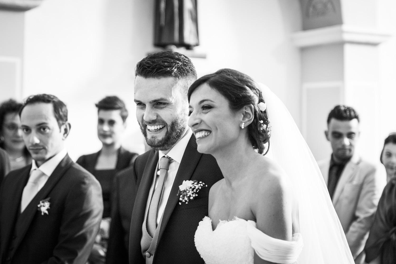 140-il-sorriso-spontaneo-degli-sposi-cerimonia-in-chiesa-fotografia-matrimonio-napoli