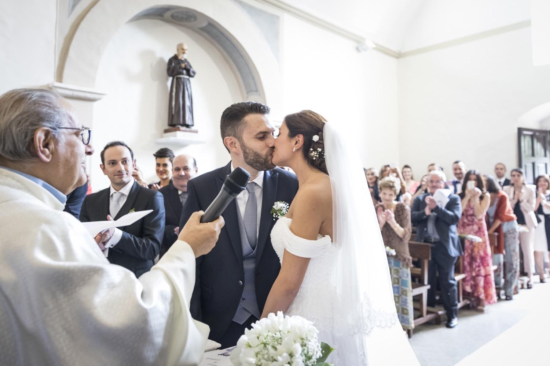 170-bacio-degli-sposi-fotografia-matrimonio-napoli