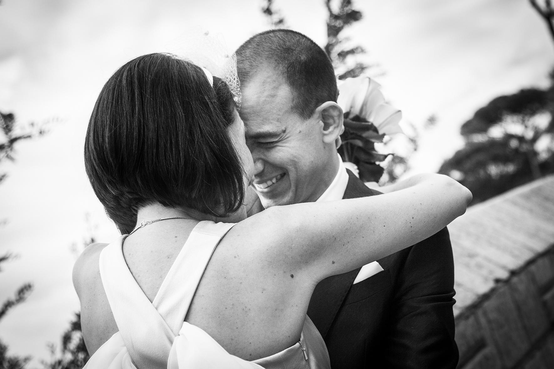 sposi-felici-primo-sguardo-fotografia-di-matrimonio-napoli