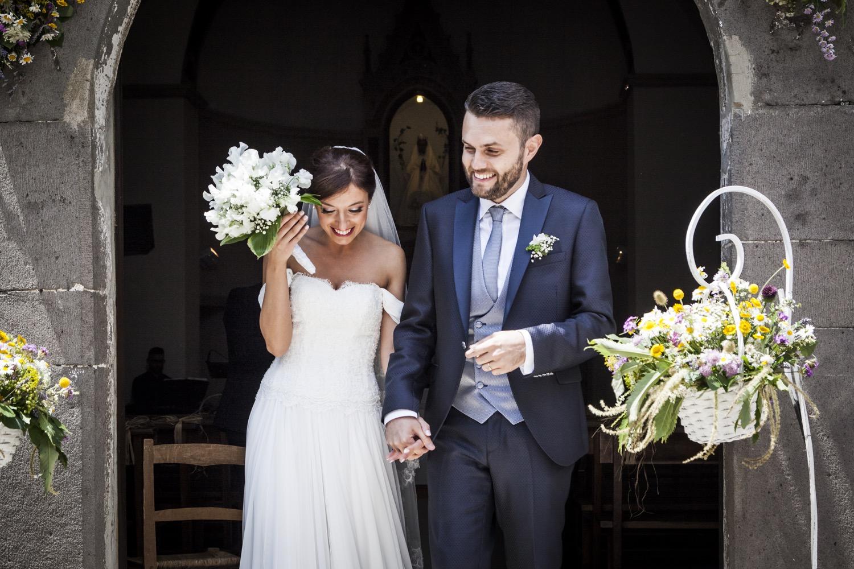 201-sposi-escono-dalla-chiesa--fotografia-matrimonio-napoli