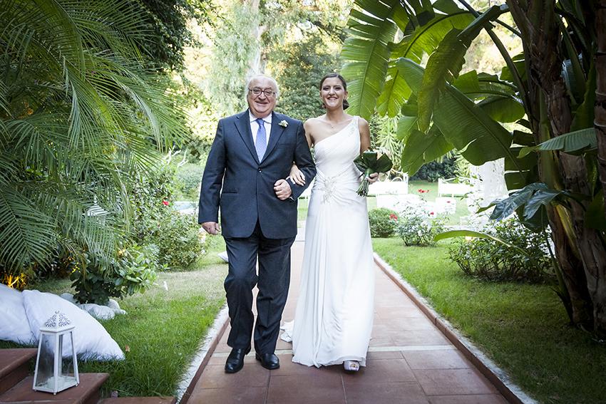 21-fotografia-matrimonio-napoli-l-arrivo-della-sposa-con-il-padre