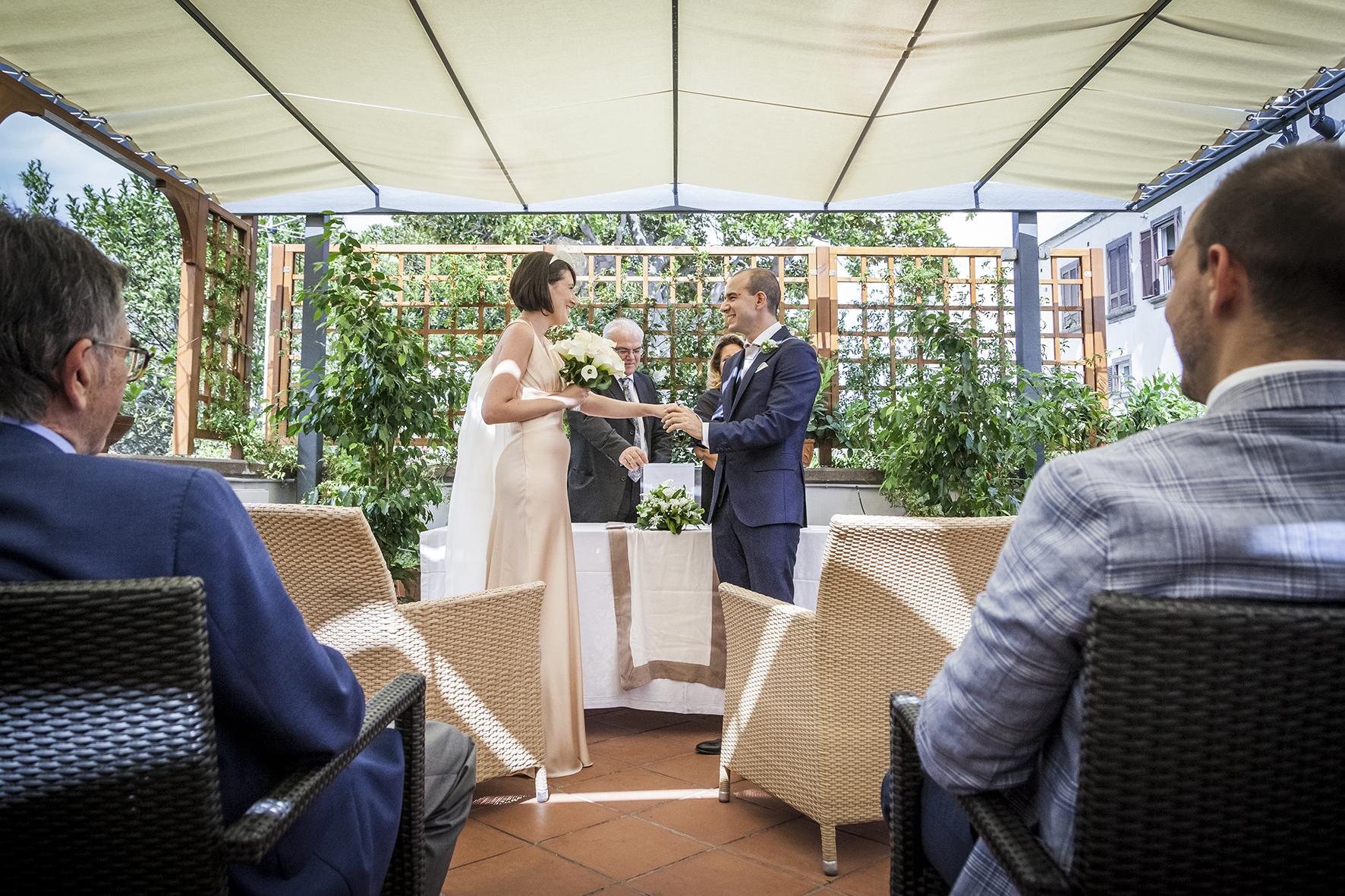 la-ceromonia-di-nozze-rito-civile-fotografia-matrimonio-napoli