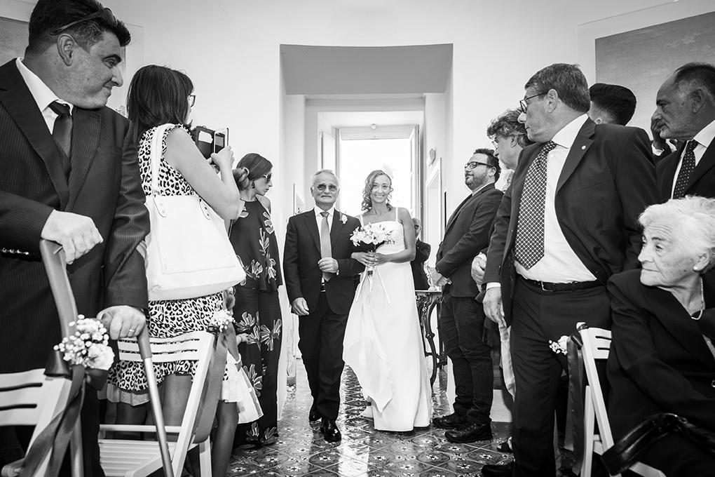 arrivo-sposa-casina-vanvitelliana-fotografia-matrimonio-napoli