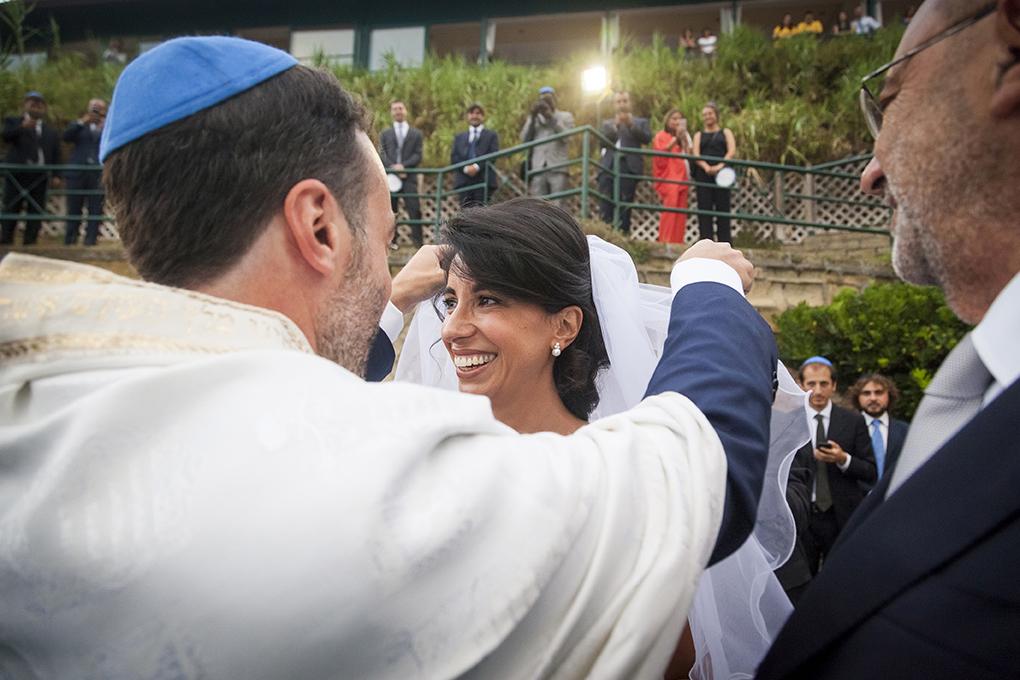 sposo-vela-la-sposa-matrimonio-ebraico-napoli