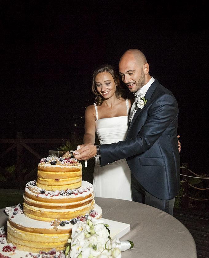 taglio-della-torta-fotografia-matrimonio-napoli