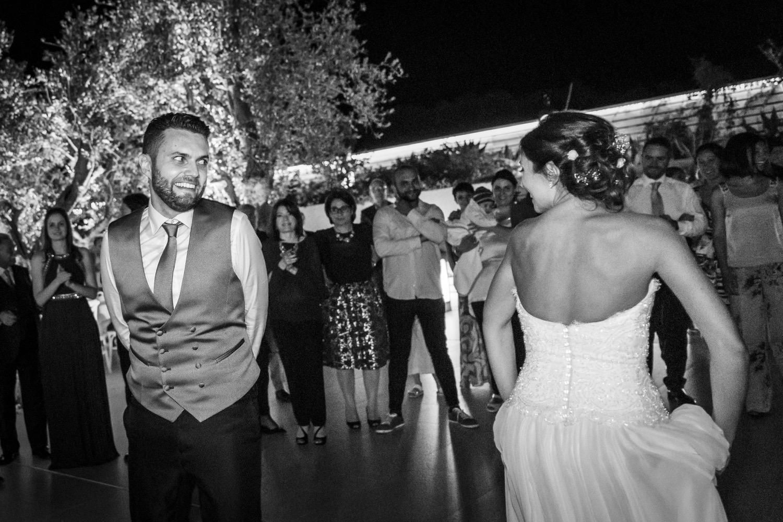 467-gli-sposi-ballano-la-pizzica-destination-wedding-italy-fotoreportage