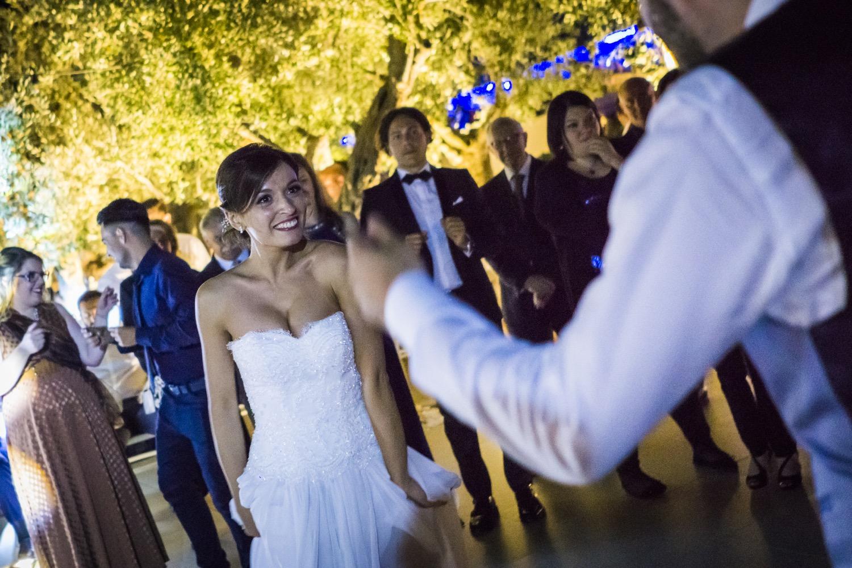 466-gli-sposi-ballano-la-pizzica-destination-wedding-italy-fotoreportage