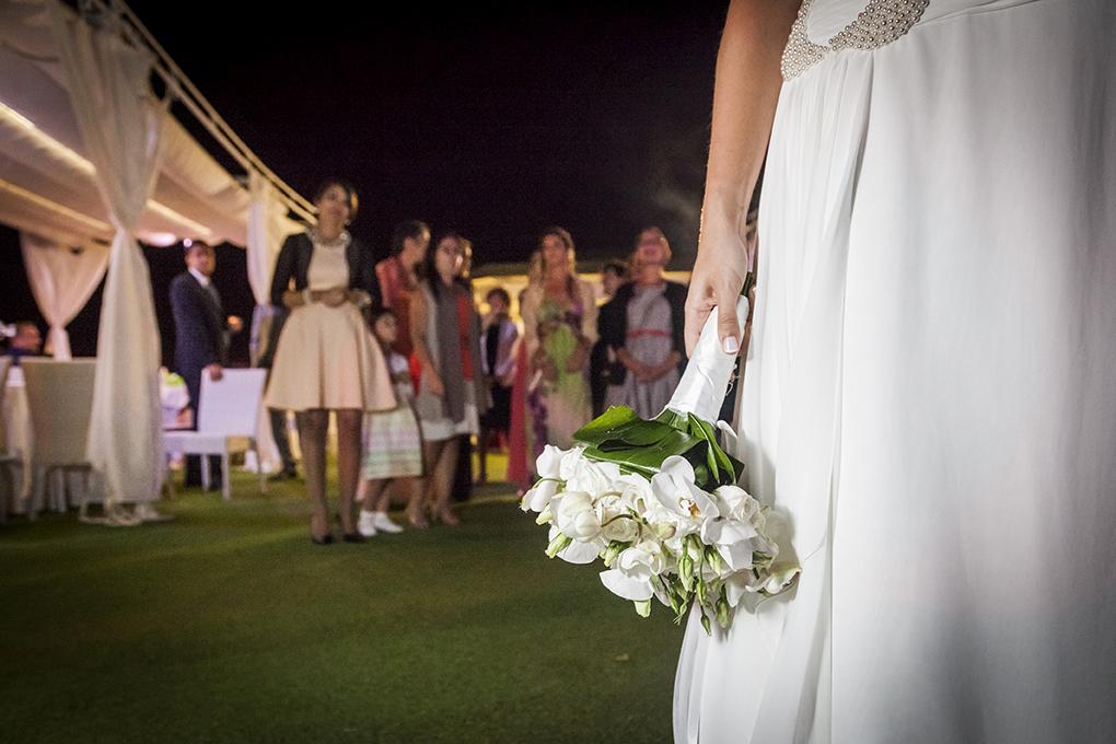 lancio-del-bouquet-fotografia-matrimonio-napoli