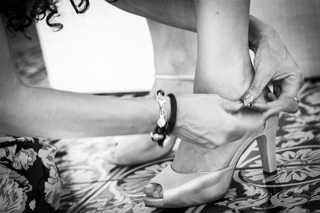 otografia-matrimonio-napoli-scarpe-sposa