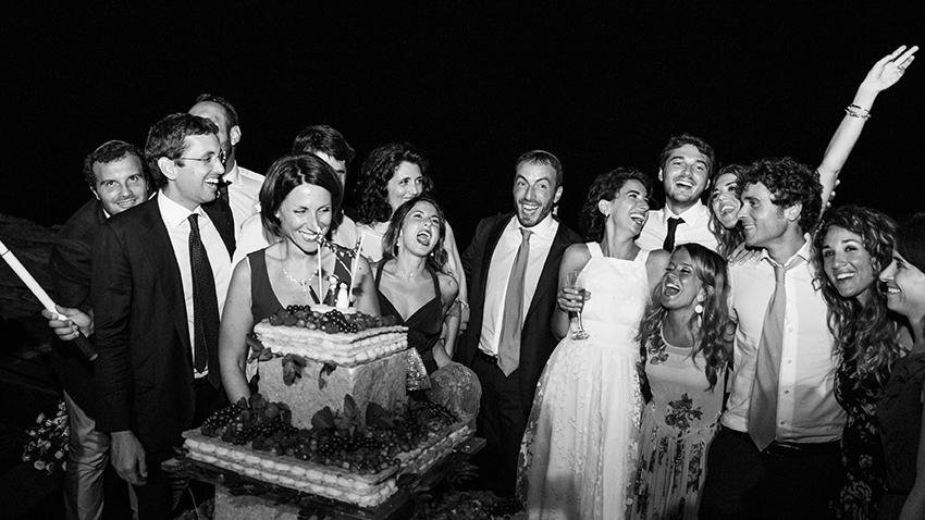 amici-torta-fotografia-matrimonio-napoli