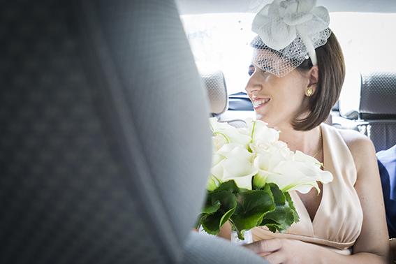 la-sposa-in-macchina-fotografia-matrimonio-napoli