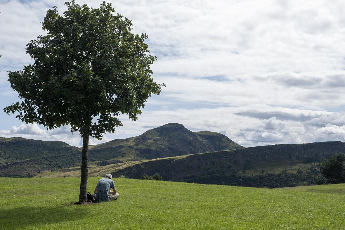 Scozia-edimburgo-viaggio-di-nozze-calton-hill-arthurs-seat-doppioscatto-fotografie