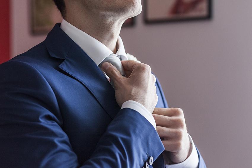 Sai come fare il nodo alla cravatta?