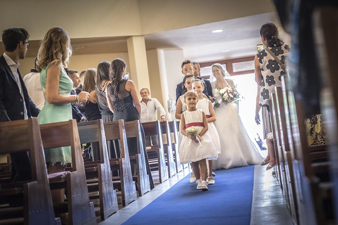 matrimonio-in-chiesa-ingresso-sposa