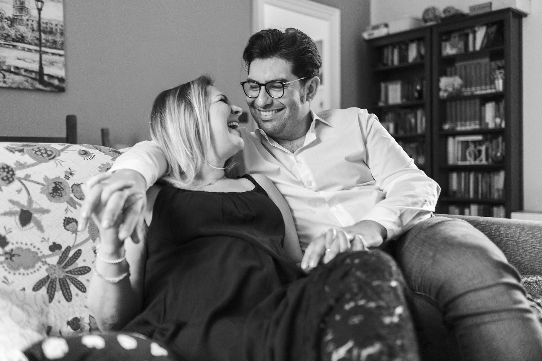 reportage di coppia a casa in gravidanza napoli