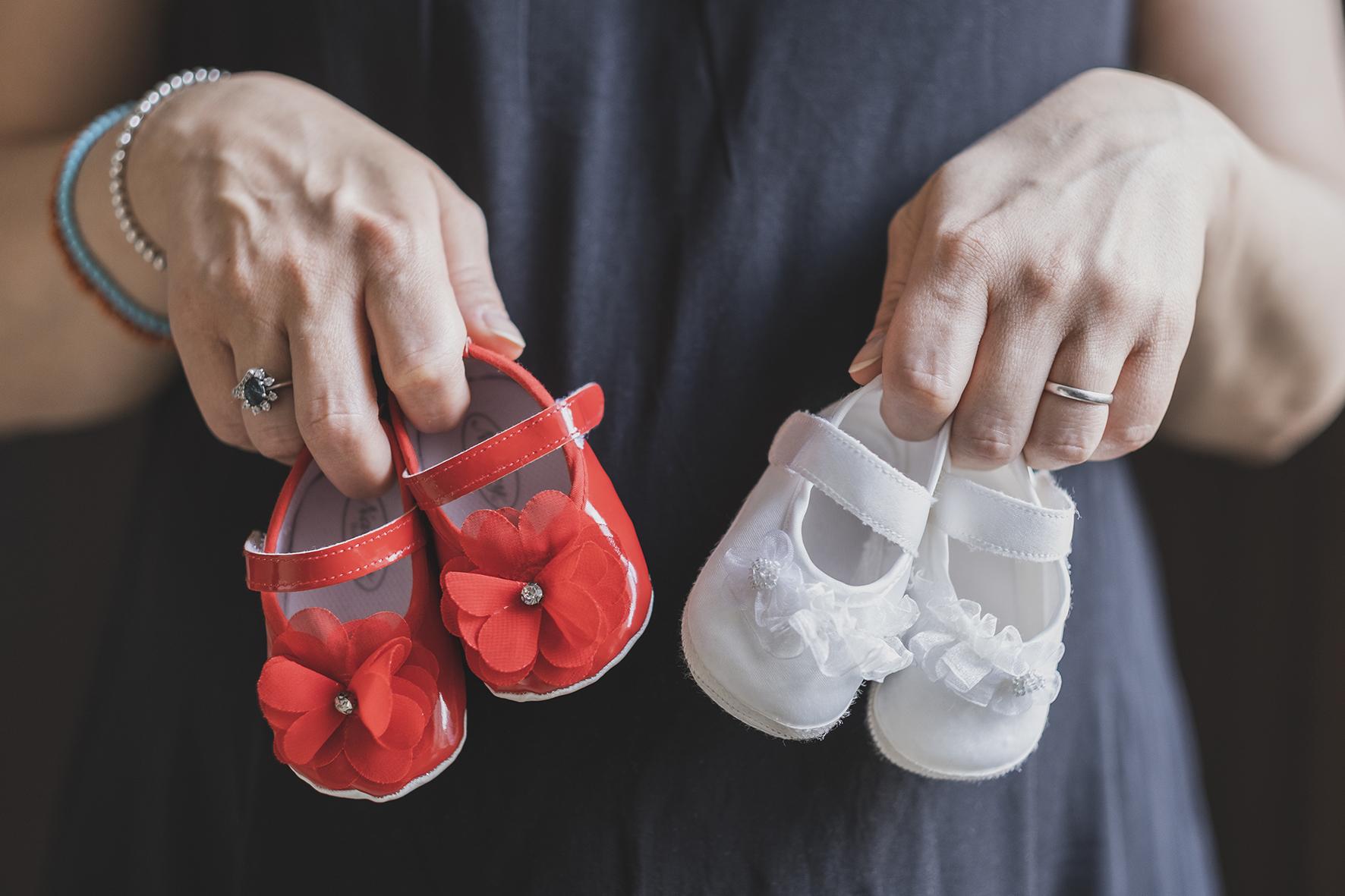 scarpette sul pancione gemelline dolce attesa