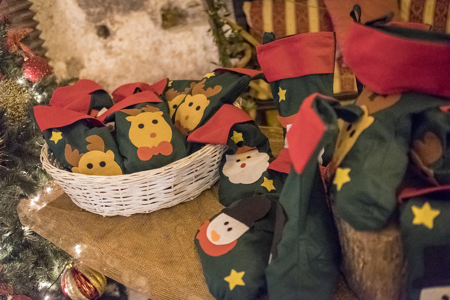 matrimonio tema natale regali per i bambini calze della befana