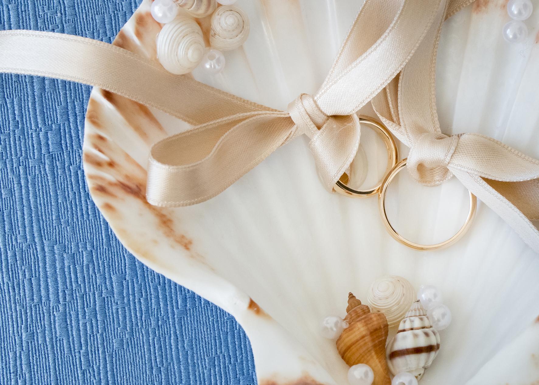 portafedi conchiglia matrimonio a tema mare